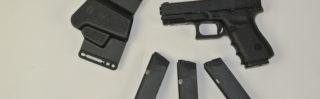 Glock 23 mit Holster